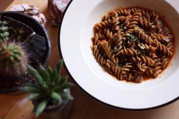 Cricket Pasta tomato sauce